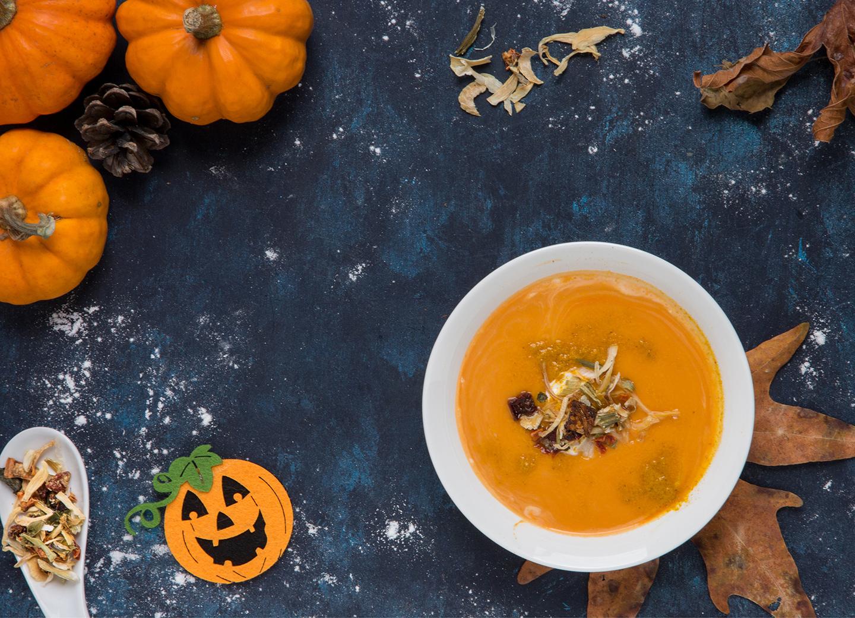 Leckere Kürbissuppe zur Halloween Party